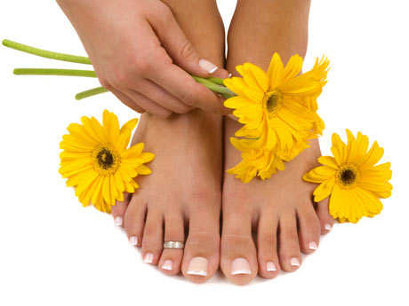 La uña encarnada cerca de la razón sobre el pulgar del pie el tratamiento