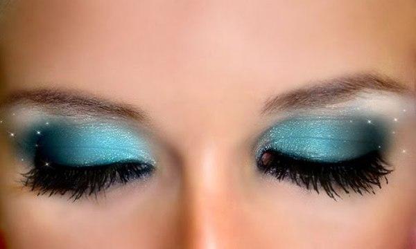 Tipos de sombras de ojos for Como se maquillan los ojos ahumados