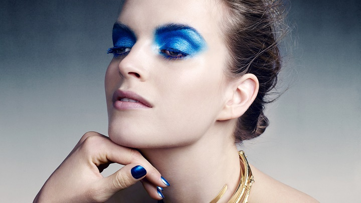 maquillaje azul 2