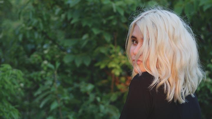 ice-blonde-pelo
